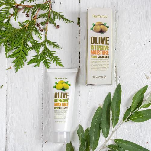 Пенка для умывания с маслом оливы FarmStay Olive Intensive Moisture foam cleanser-фото